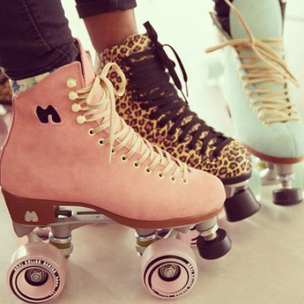 Be a Rollerskate girl
